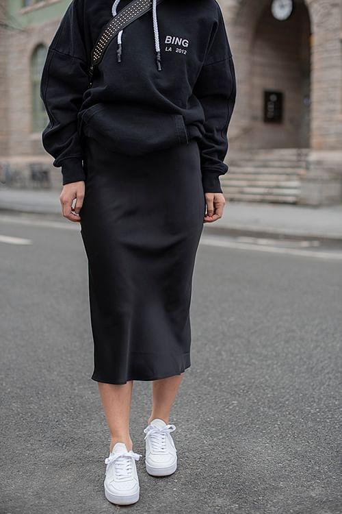 Bar Silk Skirt Black