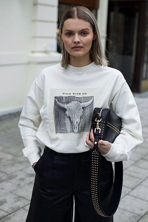 Ramona Sweatshirt Walk With Me Ivory