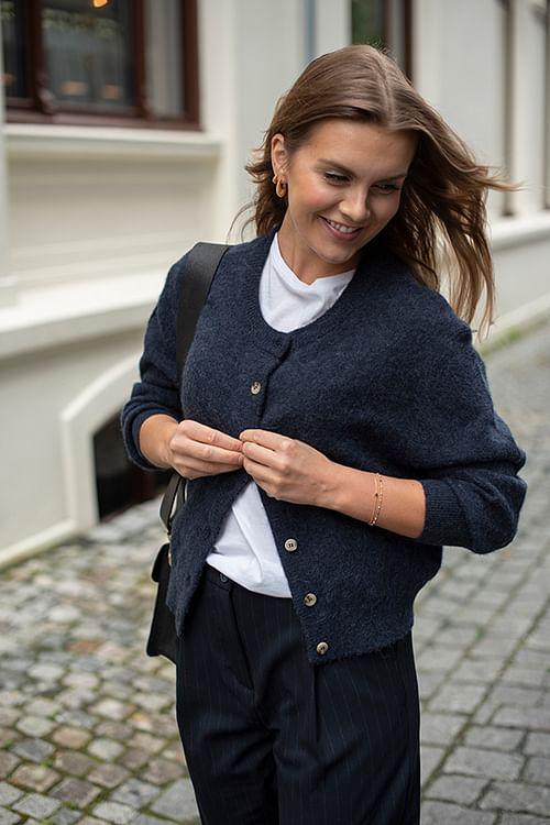 American Vintage Nuasky Cardigan Navy Melange strikket jakke