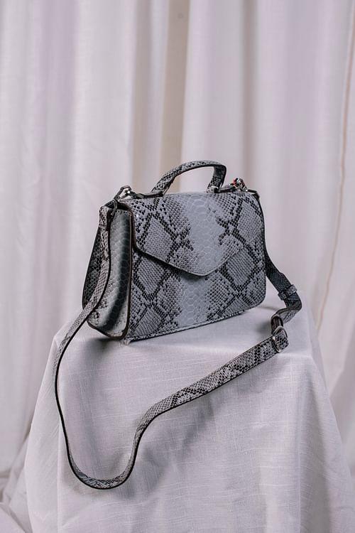Becksöndergaard Snake Petit Malery Bag White veske