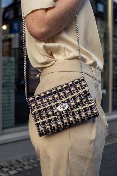 Chal Pilla Bag Black