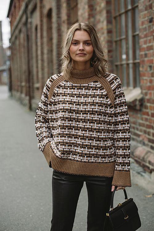 By Malene Birger Lygos Sweater Tiger Eye genser