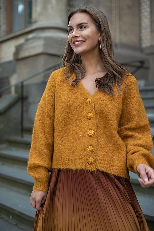 By timo hairy knit cardigan golden mustard strikk