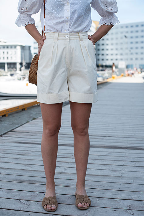 byTiMo Structured Cotton Shorts Creme