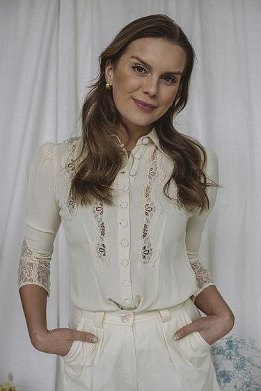Elegant Lace Shirt Creme
