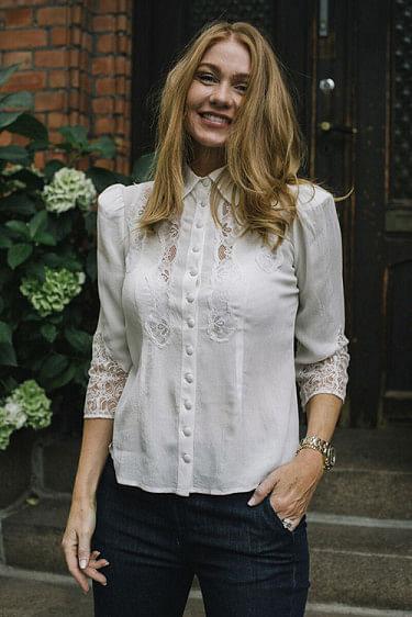 Elegant Lace Shirt Off White