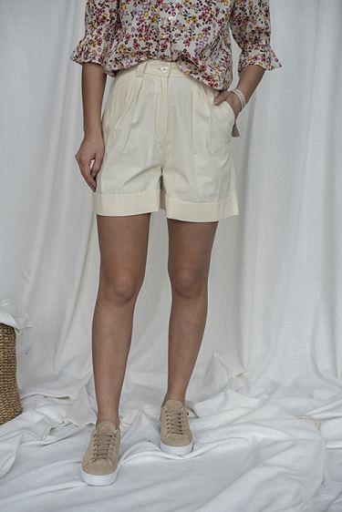 Structured Cotton Shorts Creme