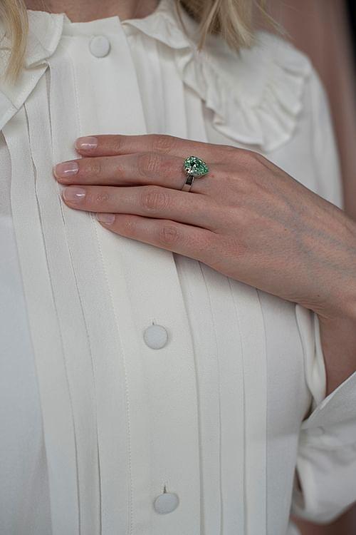 Caroline Svedbom Mini Drop Ring Silver Chrysolite