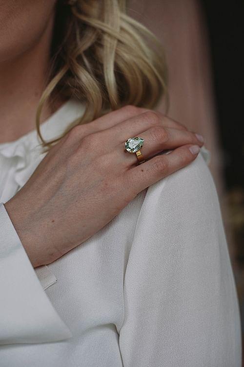 Caroline Svedbom Mini Drop Ring Gold Chrysolite