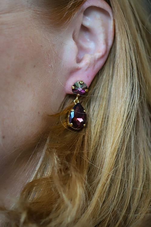 Caroline Svedbom Classic Drop Earrings burgundy