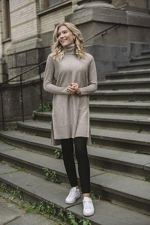 Wide Turtleneck Dress W/Splits Oatmeal Melange