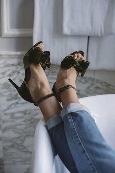 Marita Velvet Sandals Dark Olive