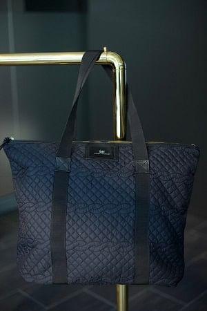 Gweneth Q Cable Bag Black