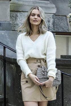 Essence Sweater Ivory Shade