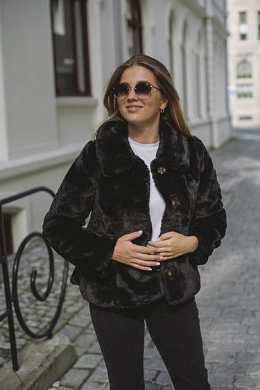 Anna Fake Fur Jacket Black