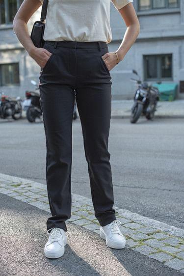 Angelie 633 Straight Black Klarin