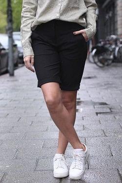 Kylie Shorts Black