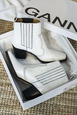 Callie Ankle Boots Bright White