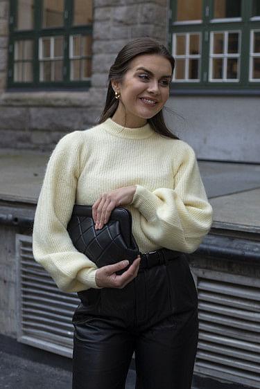 Soft Wool Knit Flan
