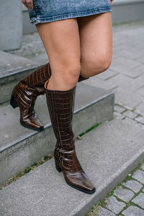 Western Knee High Boots Chicory Coffee