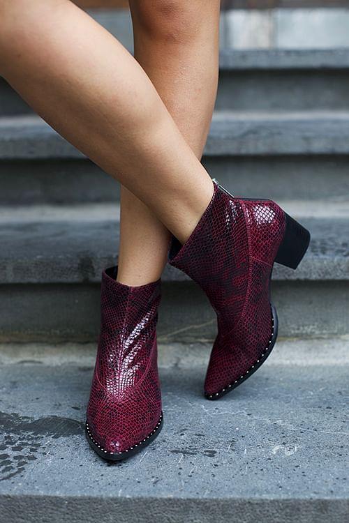 Gestuz Ava Boots Bordeaux Snake ankelstøvletter sko