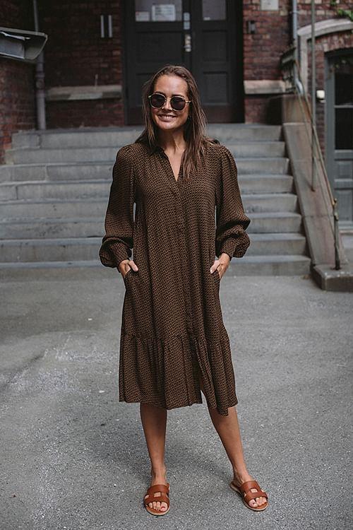 Gestuz Elay Short Dress Brown Logo kjole
