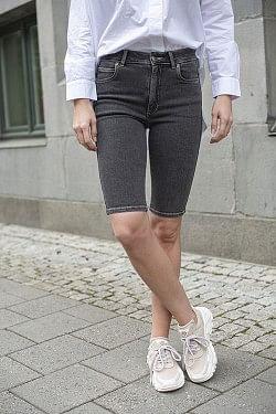 Sela Shorts Black