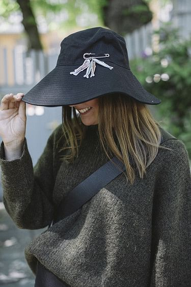 Sundt Hat Black