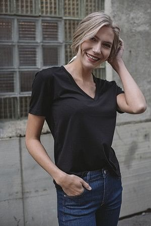 Brandy T-shirt V-Neck Black