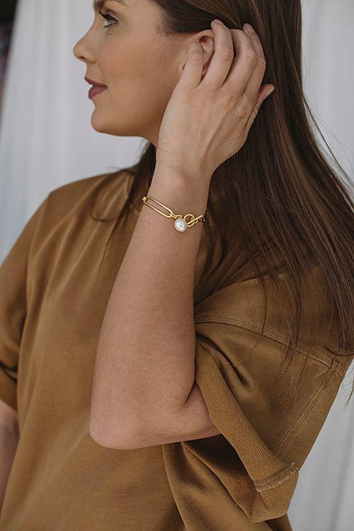 Salon Pearl Bracelet Gold