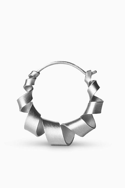 Jane Konig Small Curly Hoop Silver Øredobber