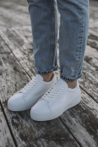 Shine Sneakers White