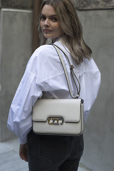 The J Link Shoulder Bag Ivory