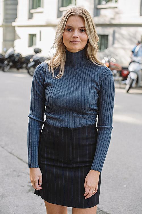 Norr Karlina Knit Top Blue Melange genser