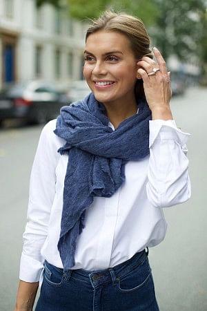 Luxury Scarf Medium Blue