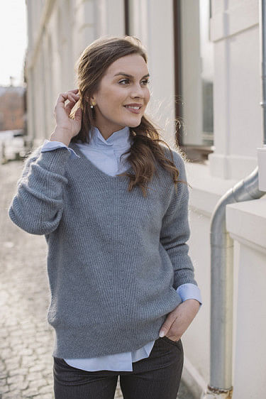 Monaco Mohair V-Neck Dove Blue