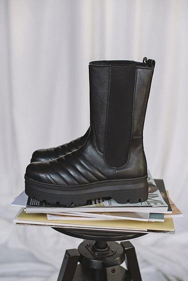 Flora Boots Black