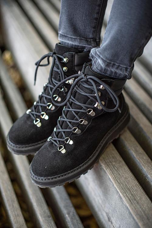 Public Relations Hiking Shearling Boots Black vintersko