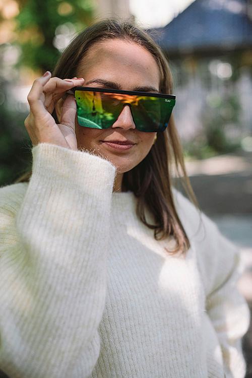 QUAY Hindsight Black/Rainbow solbriller