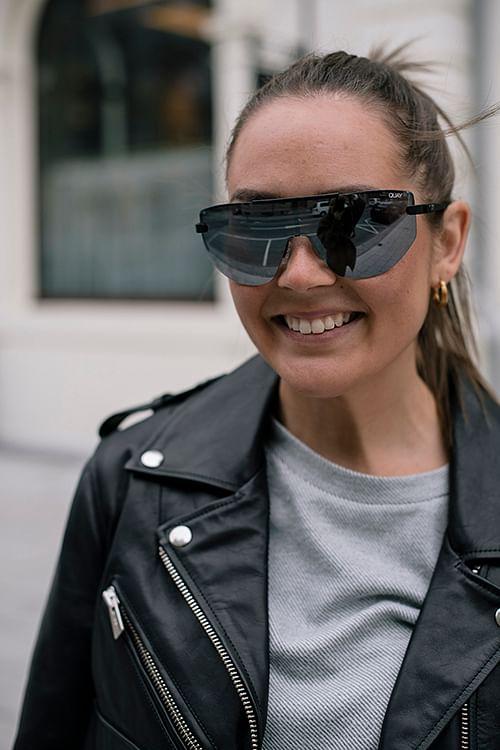 QUAY On the Edge Black/Smk solbriller
