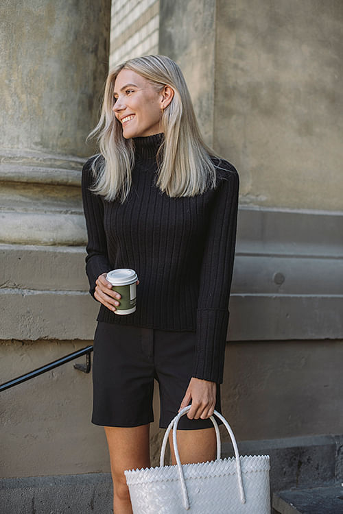 Cathrine Hammel Wool Chunky Rib Turtleneck Black genser