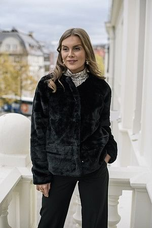 Anette Fake Fur Jacket Black