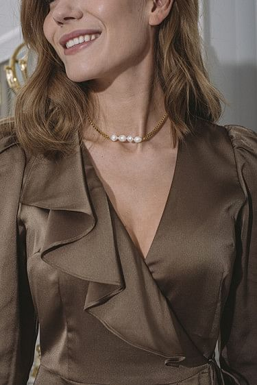 Dusa Pearl Necklace