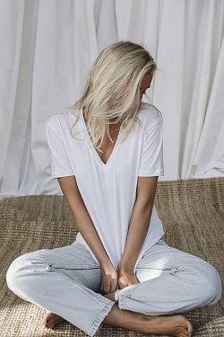 Brandy T-Shirt V-Neck White