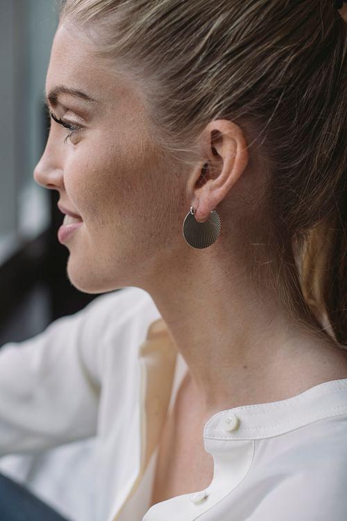 Jane kønig small shell earring silver