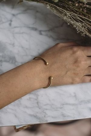 Simple Bead Bracelet Gold