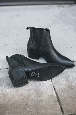 Karen Boots Black Structure