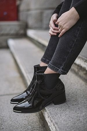 Lilly Boots Black Patent