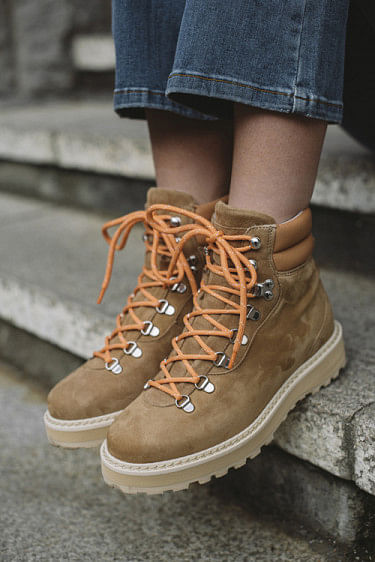 Hiking Shearling Boots Nude Brown
